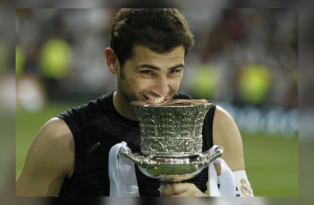 Xavi ja Casillas said Hispaania printsilt autasu