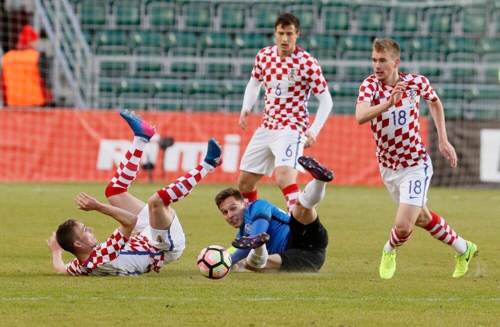 Siim Luts tegi eile suurepärase mängu: lõi sinisärkide esimese värava juba esimesel minutil ja andis teisele väravale resultatiivse söödu.