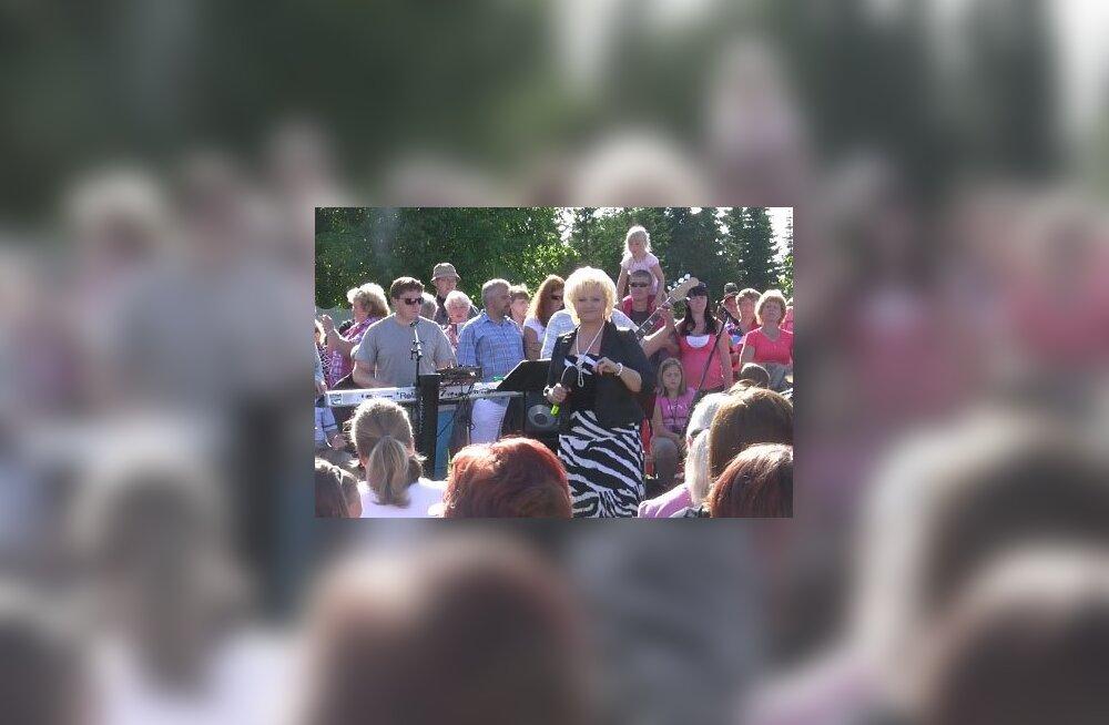 Anne Veski: Viige televiisor õue ja laulge kõik koos