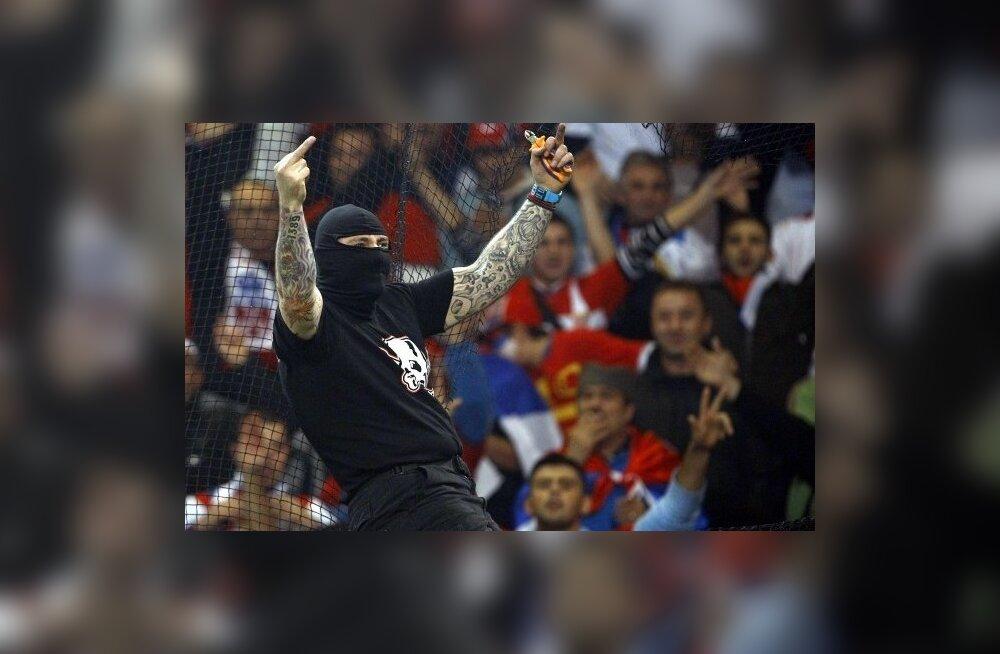 Serbia jalgpallikoondise mässumeelne toetaja