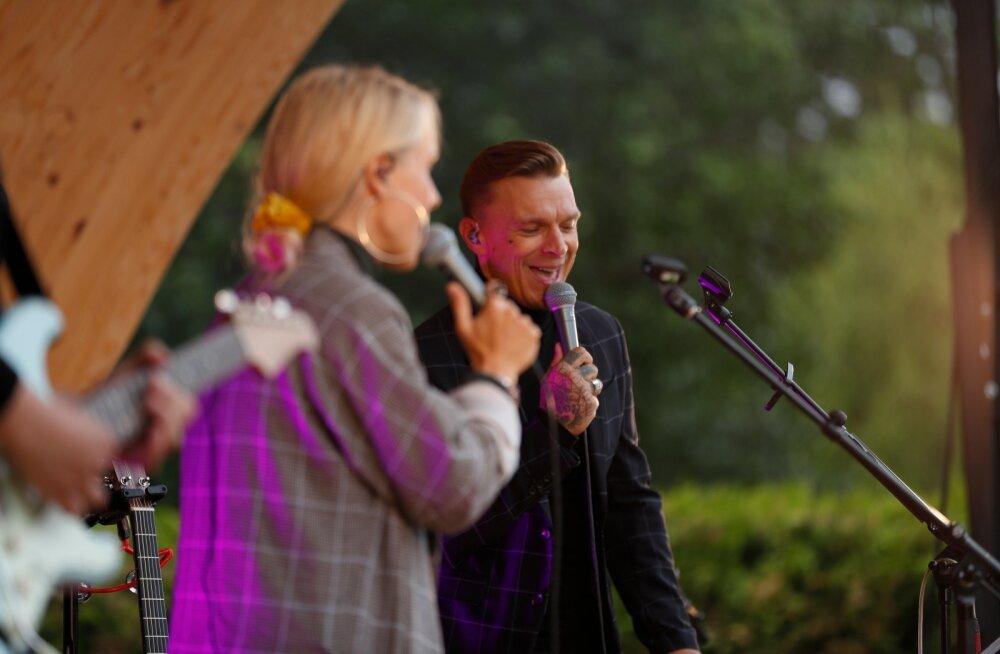 FOTOD | Vanad sõbrad jälle koos! Tanel Padar ja Lenna Kuurmaa esinesid Kõltsu mõisas
