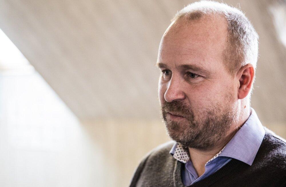 Magnus Kirt pressikonverents Tõrvas