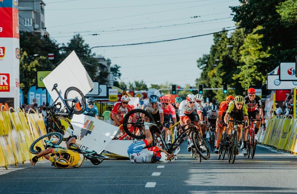 Koomasse langenud jalgratturi meeskond esitab politseisse avalduse