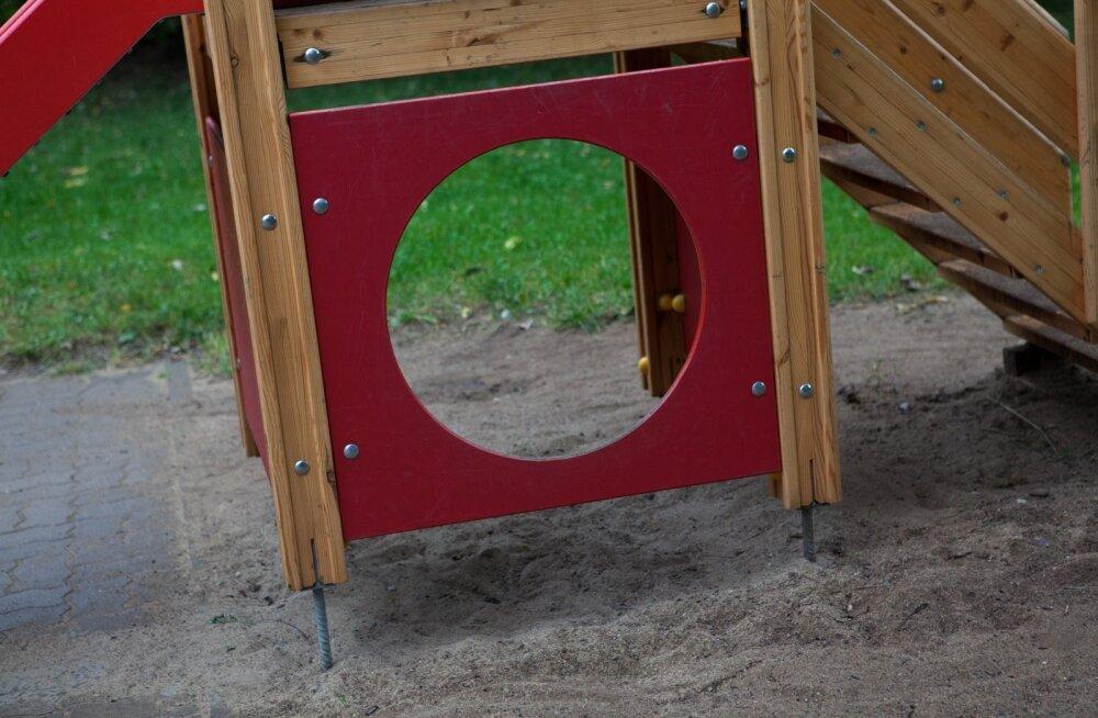 Edgar Savisaar avas Kirsikese lasteaia mänguväljaku