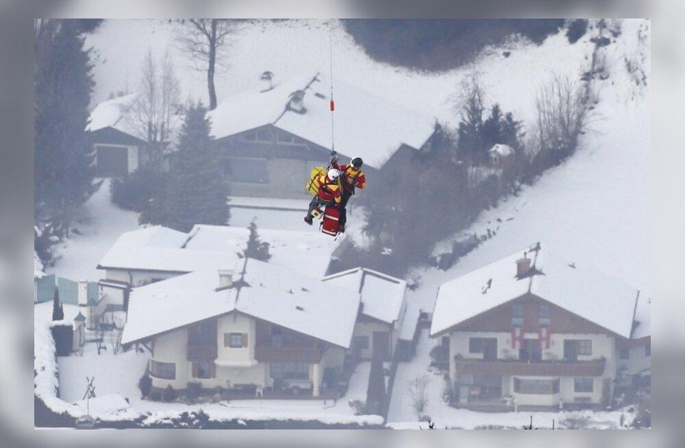 Lindsey Vonn tõstetakse helikopterile