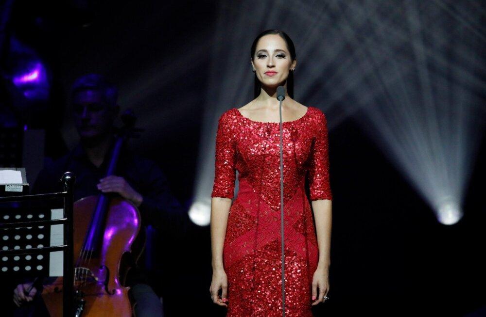 Elina esines Alexela kontserdimajas