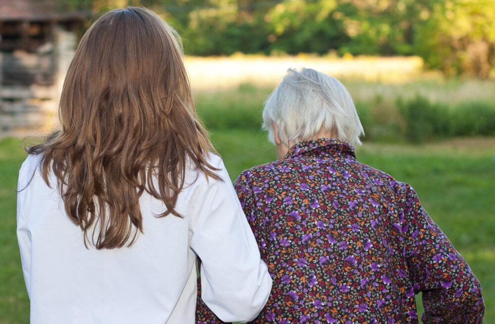 Lugeja küsib: miks kõik mind ümbritsevad vanainimesed ainult suremisest räägivad ja kunagi õnnelikud ei ole?