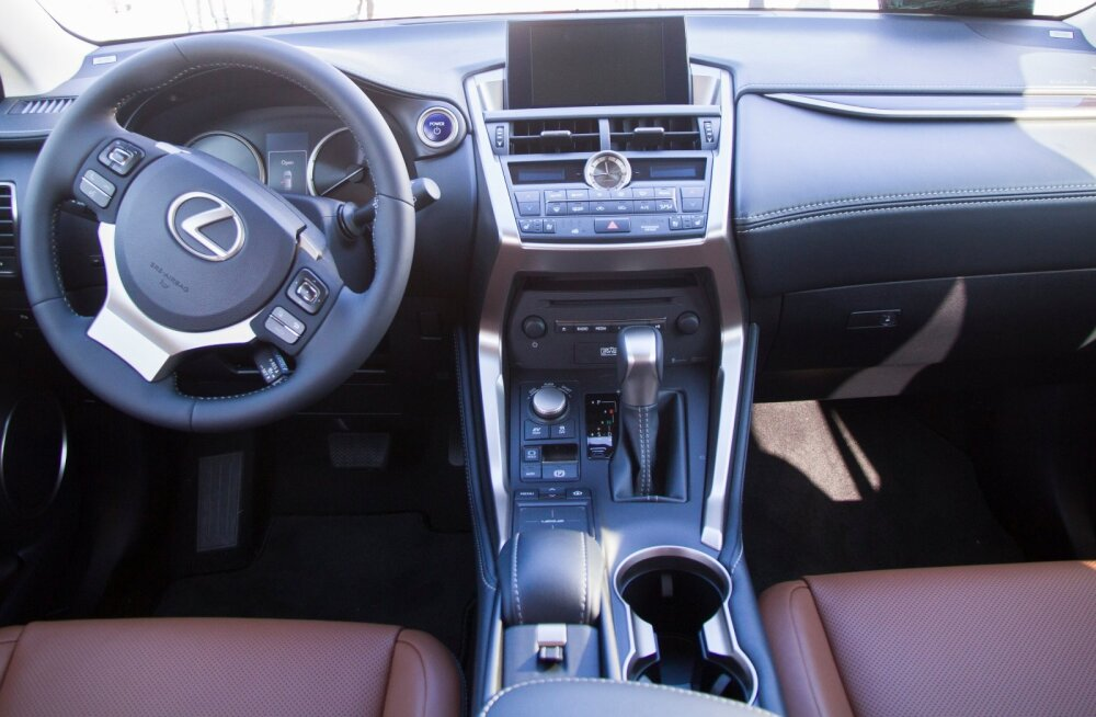 Baltimaade aasta auto 2015 Lexus NX300h