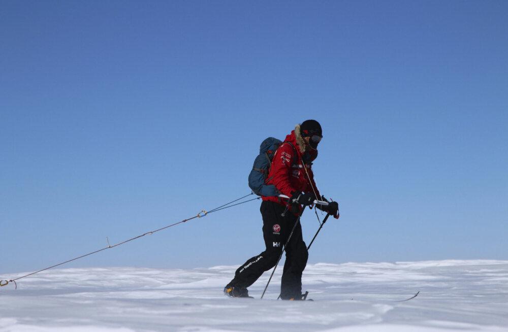 Гонка за Антарктиду: американский спортсмен и британский офицер почти два месяца идут на лыжах по Антарктиде. Кто же из них будет первым?