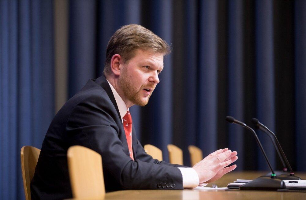 Finantsinspektsiooni juht Kilvar Kessler väitis, et 2013. aastal oli neil plaan 2014. aasta alguses Danske panka kohale minna. Seda ka tehti.