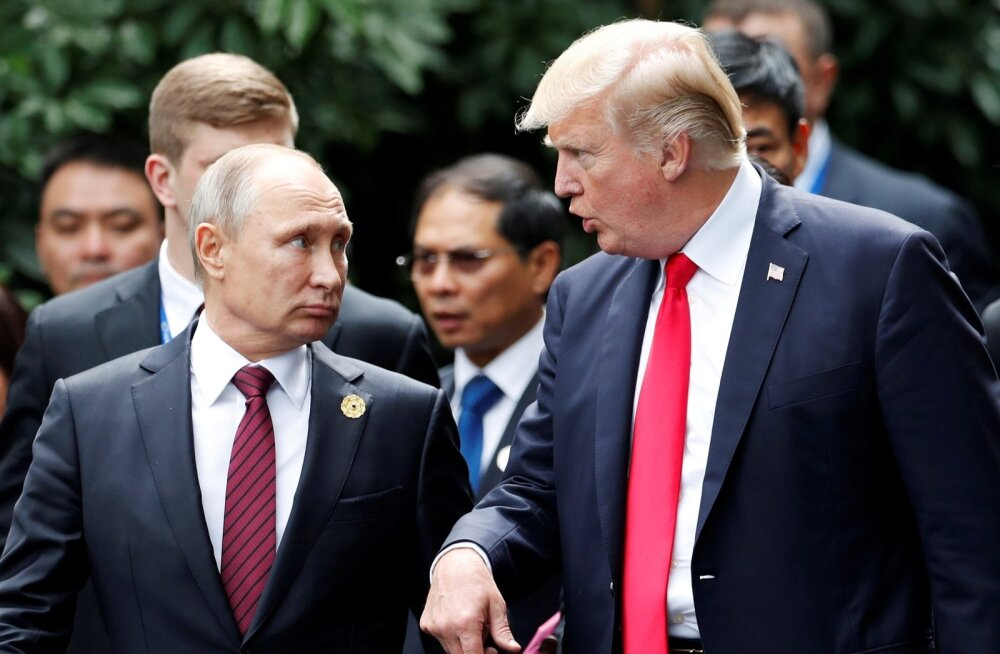 Venemaa riigipea Vladimir Putin ja Ameerika president Donald Trump mullu novembris Vietnamis toimunud Aasia ja Vaikse ookeani majanduskoostöö foorumil (APEC). Kahepoolseid kõnelusi nad aga varem pidanud pole.