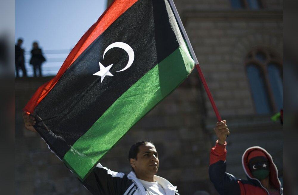 Venemaa tunnustas Liibüa mässulisi