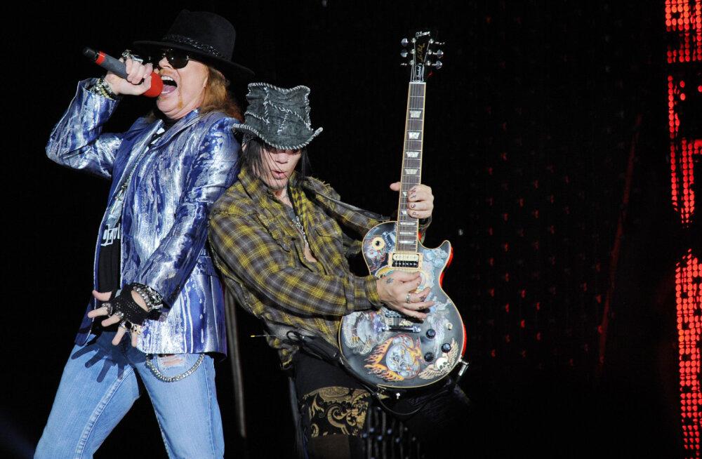 Ansambli Guns N' Roses endine kitarrist tabati purjuspäi autoroolist