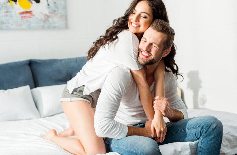 Nõuanded meestele: 8 moodust, kuidas naine jalust rabada
