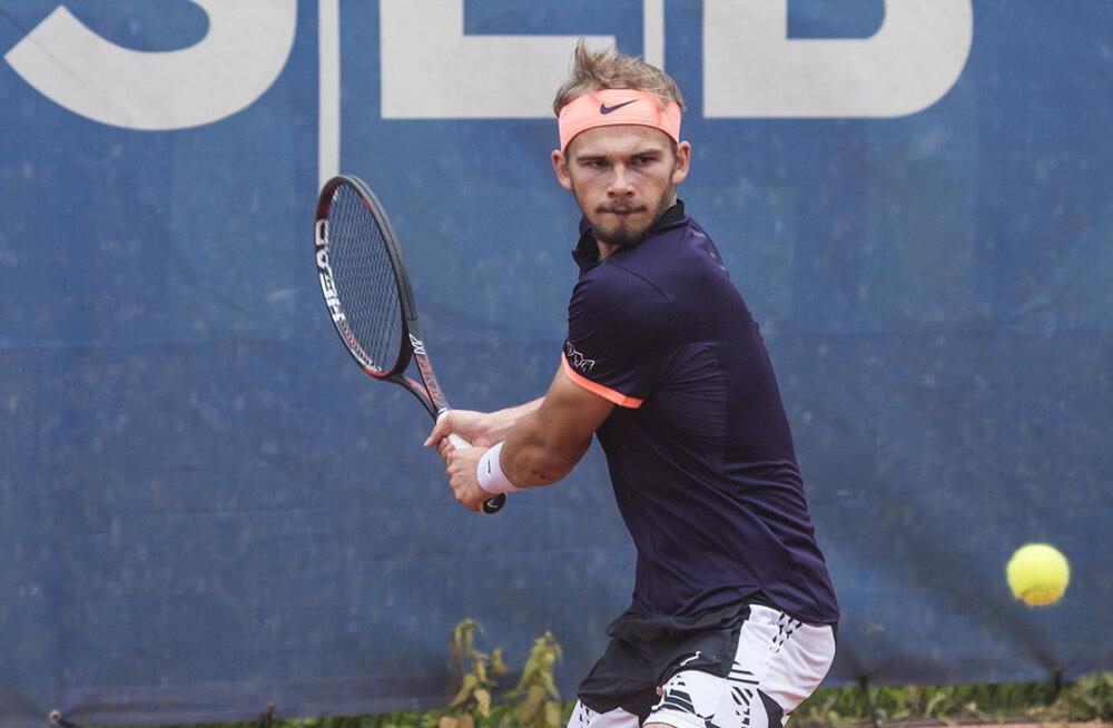 Eesti tennisistid jõudsid Kaarinas raskusteta veerandfinaali