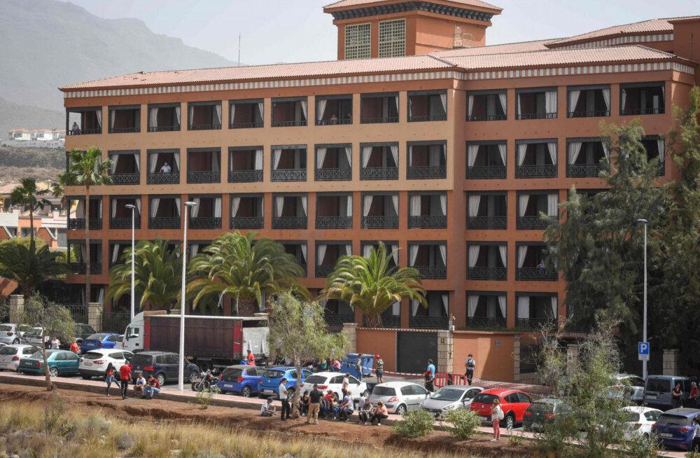 В поставленном на карантин отеле на Тенерифе коронавирус выявили еще у трех человек