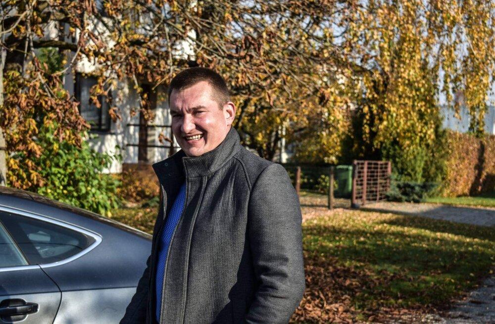 """13-aastase poisi juhitud Porsche kuulub Paide linnavolinikule: """"Ma arvan, et poiss ei sõitnud esimest korda"""""""