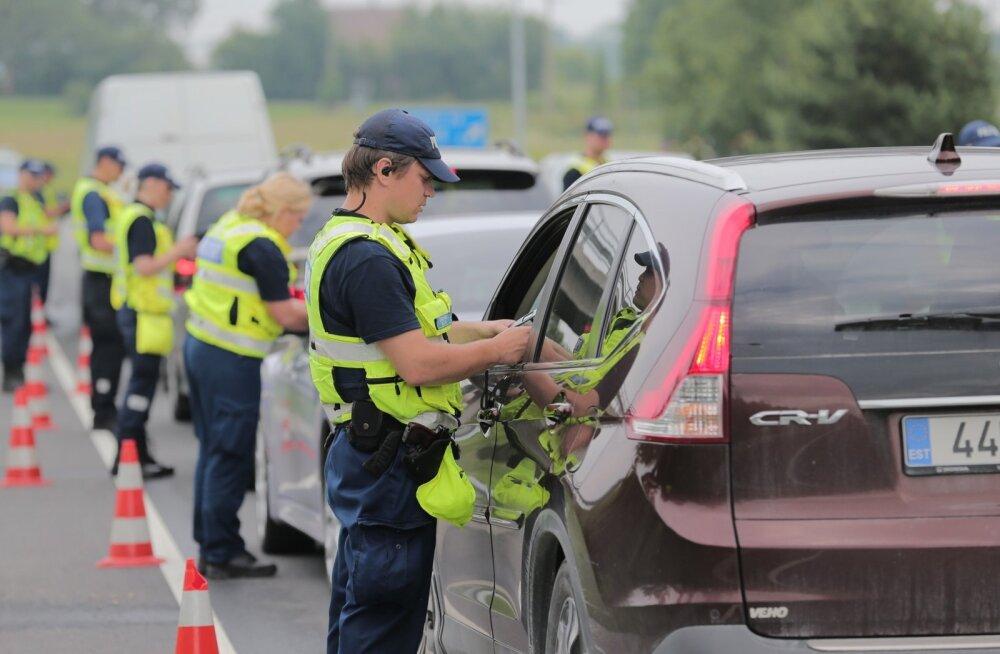 Politseinikule kallaletungimises kahtlustatavat roolijoodikut võib oodata karm karistus