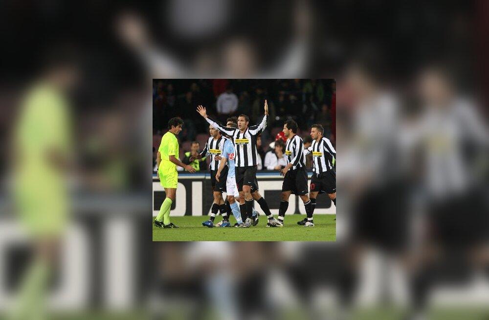 Juventuse mängijad protestivad