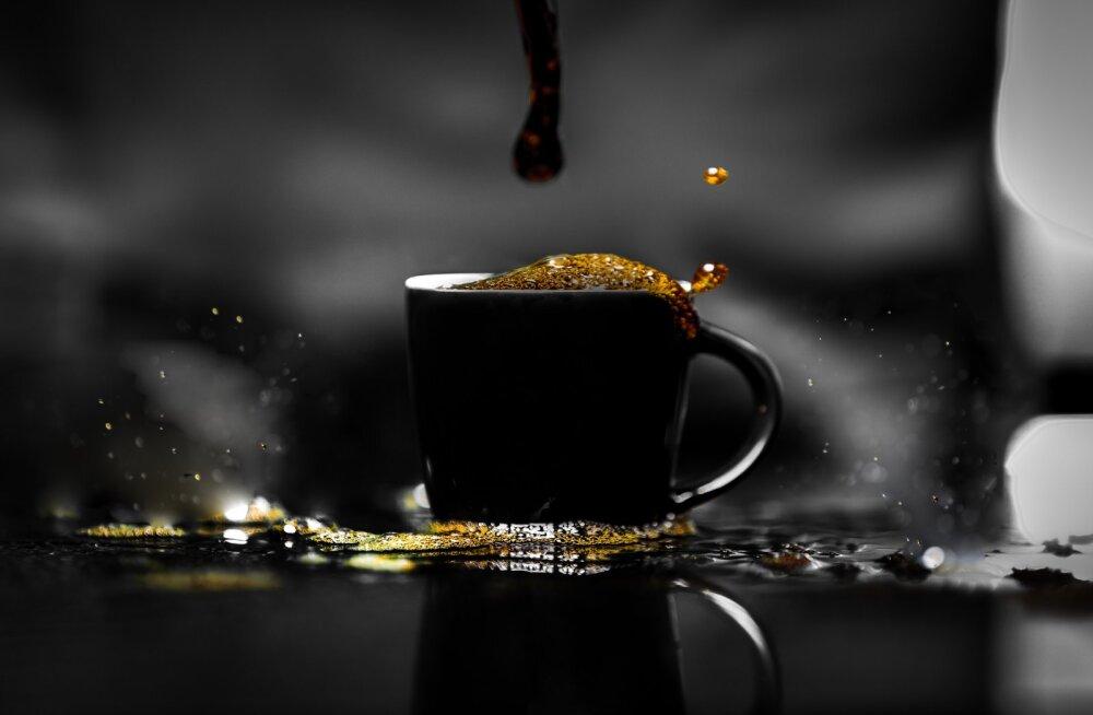 Ученые рассказали, чем полезен горячий кофе