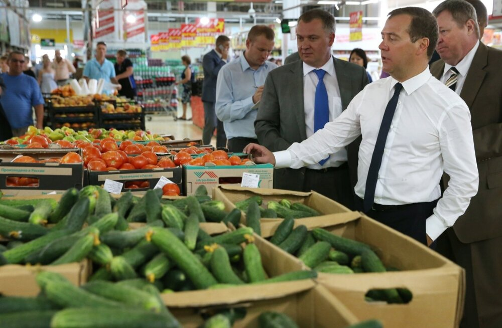 Venemaa peaminister Dmitri Medvedev 1. septembril riigi toidupoode inspekteerimas.