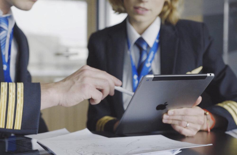 Tahvelarvutid vallutavad ärimaailma – lennukite manuaalidest restoranide kassaaparaatideni