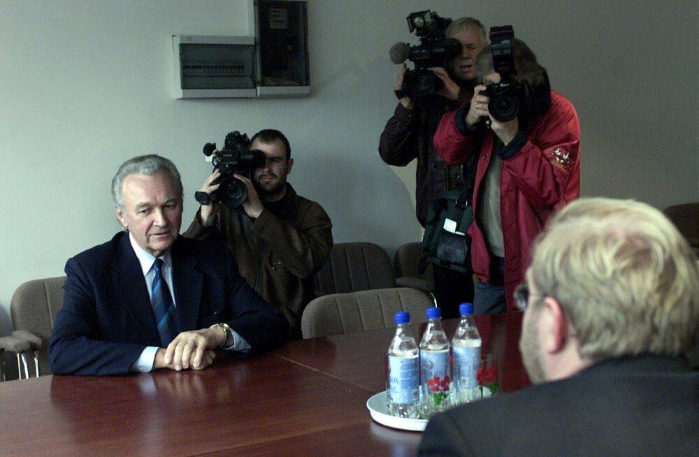 Presidendiks valitus Arnold Rüütli kohtumine Mart Laariga oktoobris 2001