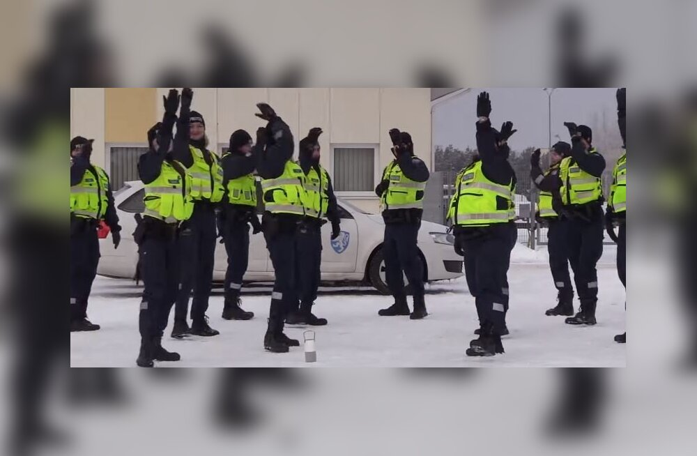 ВИДЕО: Полицейские станцевали в честь юбилея ЭР