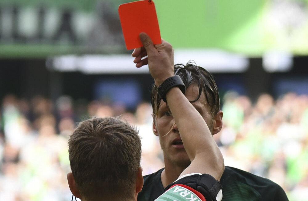 VAR annab, VAR võtab! Videokohtunikud otsustasid Bundesligas punase kaardi osas ümber