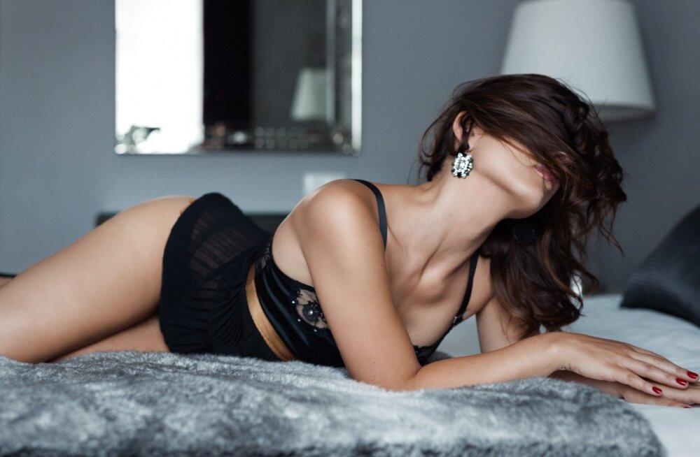Paljastav fotogalerii! Üha rohkem Eesti naisi laseb end profifotograafil sensuaalselt pildistada