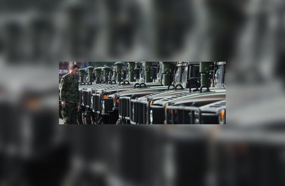 USA abistab Läti armeed Hummeritega