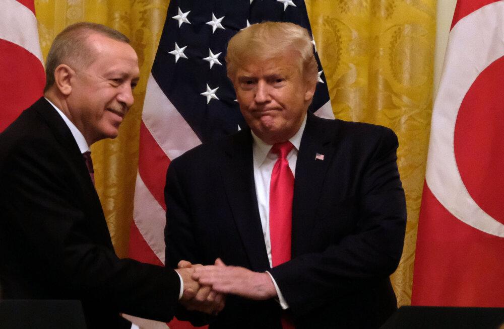 Trump nimetas end Türgi presidendi Erdoğani suureks fänniks