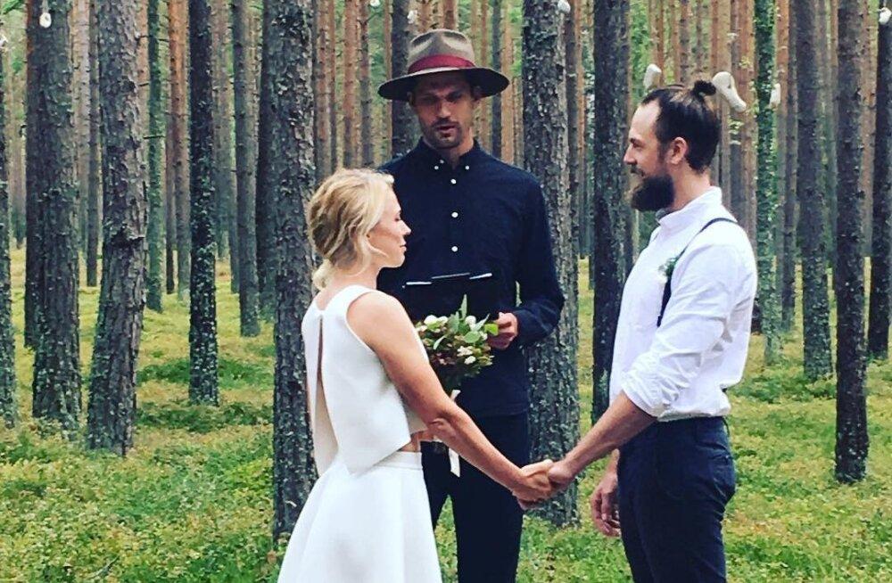 FOTO: Uhke värk! Reket pani Stig Rästa endise elukaaslase uue peiuga paari: minu kanda oli tseremooniameistri roll