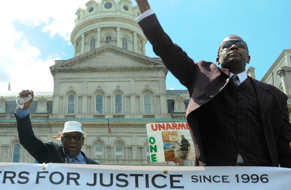 Демонстрация у ратуши Балтимора в 2015 году после смерти Фредди Грея.