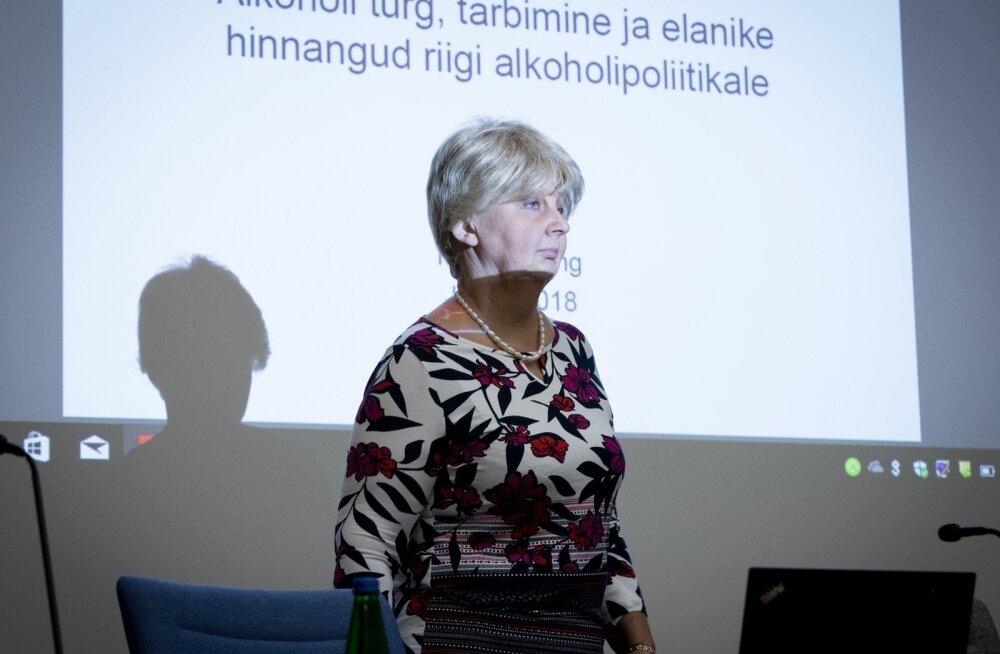 """Eesti Konjunktuuriinstituudi uuringu """"Eesti alkoholiturg, alkoholi tarbimine ja alkoholipoliitika 2017. aastal"""" tutvustus"""