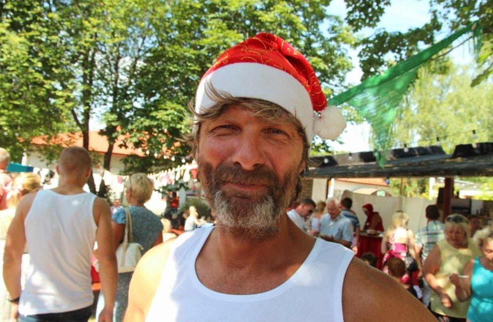 Hiiumaa vallavolikogu liikmete iseendile määratud jõulupreemiad tühistatakse