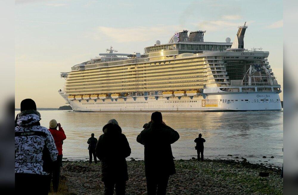 Maailma suurim kruiisilaev mahtus napilt Taani Suur-Belti silla alt läbi