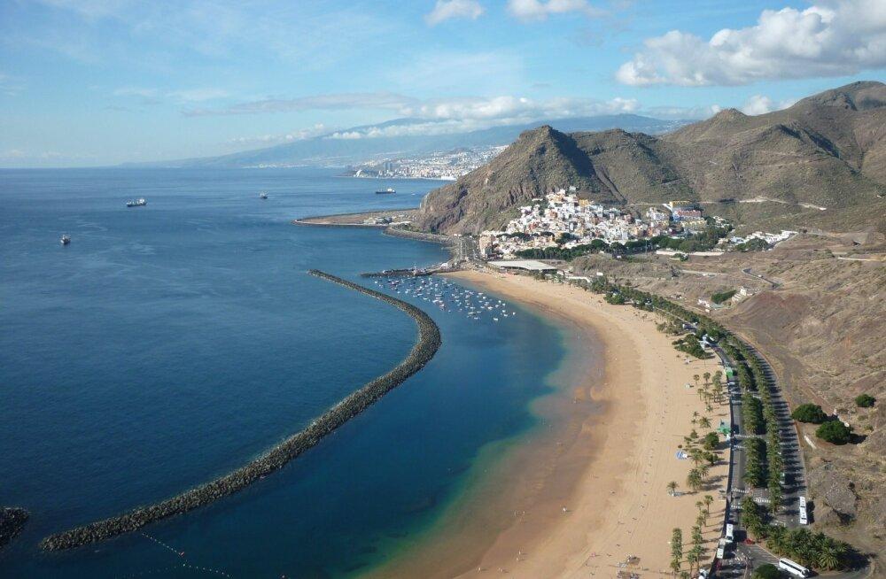 Playa de las Teresitas – pealinna Santa Cruzi rahvale rajatud rand, kuhu veeti Lääne-Saharast 270 000 tonni (7 miljonit kotti) liiva.