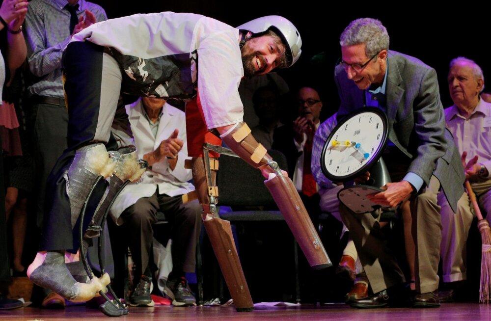 Ig Nobel: rotid said püksid jalga, tehis-neljajalgne käis karjas ja Volkswagen sai lõpuks auhinna kaela