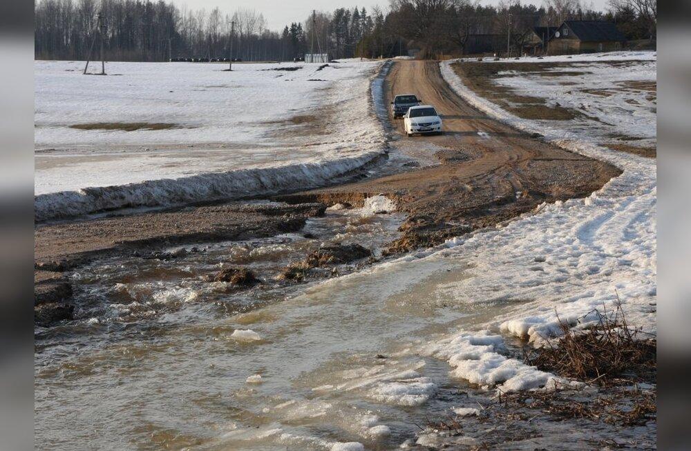 Seitsmes maakonnas on lumasulavesi teid sulgenud