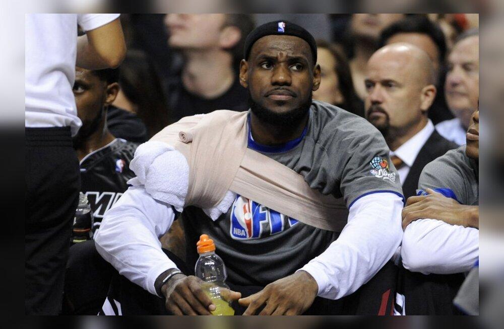 Õlale liiga teinud LeBron James, NBA, korvpall