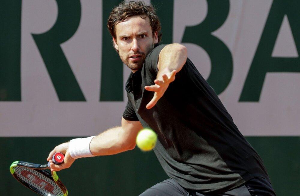 DELFI PARIISIS   Kohtunikuga sõdinud Läti tennisetäht: kas ma pean sulle maksma, et sa selle eest hoolt kannaksid!?