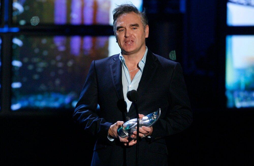 Manchesterist pärit laulja Morrissey: peaminister elab kuulikindlas mullis ja kuninganna aiapidu ära ei jäta