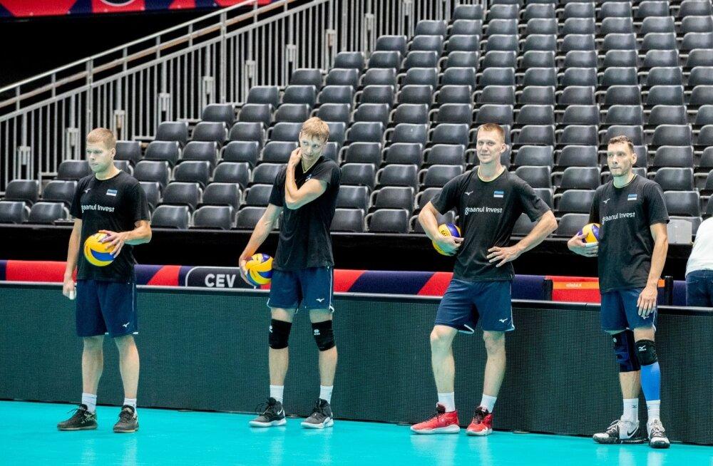 Eesti võrkpallikoondis tegi Rotterdamis trenni