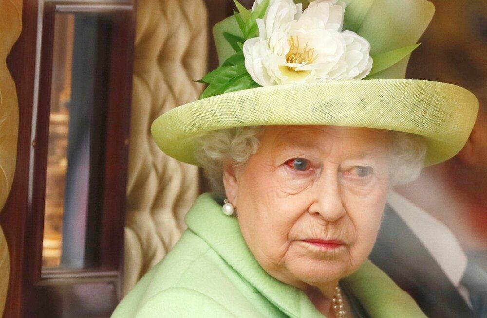 FOTOD: Mis juhtus? Kuninganna Elizabeth ilmus rahva ette verdunud silmaga