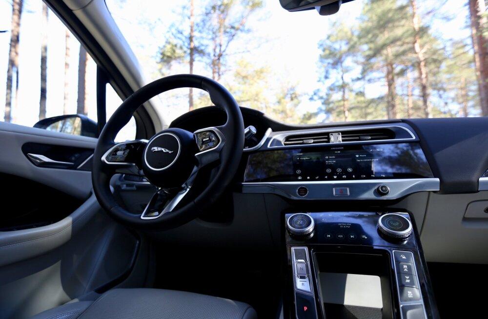 TOP 10: Kaasaegse auto kõige rohkem närvi ajavad funktsioonid