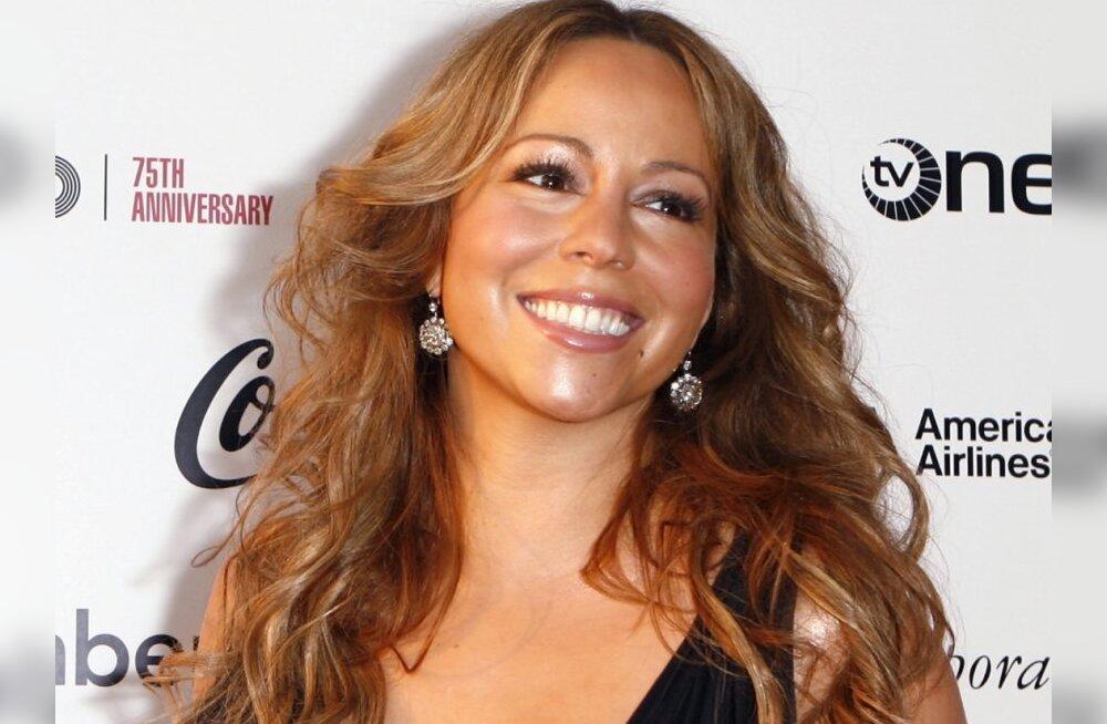 FOTO: Mariah Carey näitab beebijärgset figuuri