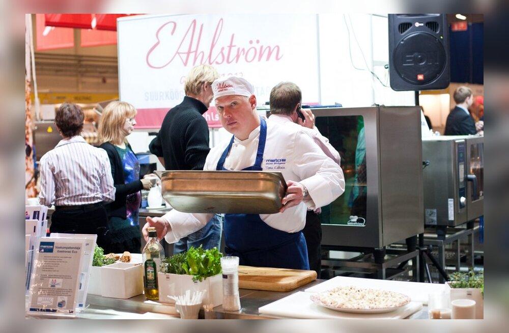 FOTOD: Tallinna toidumessil valiti Aasta Kokka ning pakuti uudistooteid