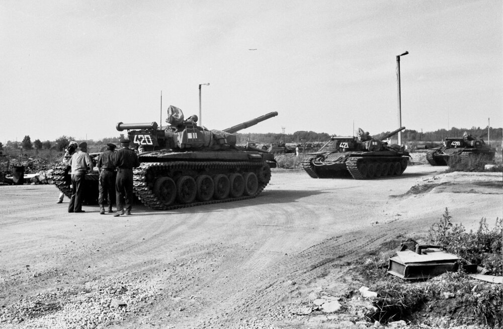 Vene vägede väljaviimine Eestist oli osa suuremast protsessist, millega Vene väed lahkusid Ida-Euroopast.