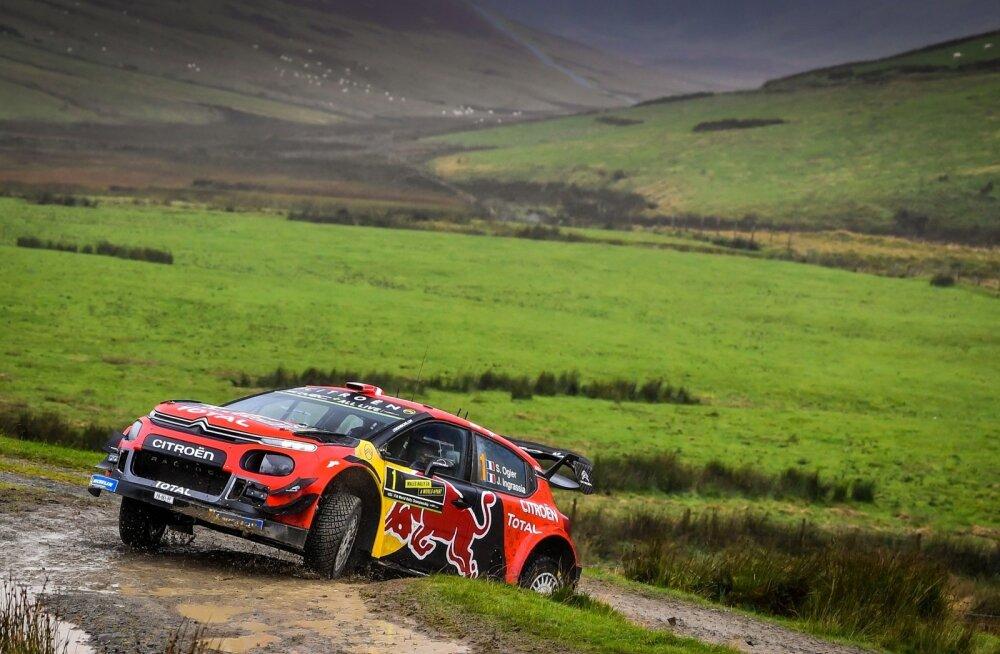 Isegi Sébastien Ogier ei suutnud Citroëni kraavist välja aidata.